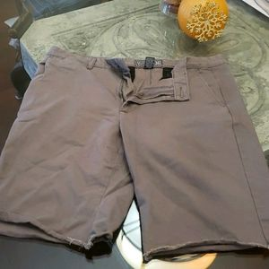 ARTISTRY IN motion shorts